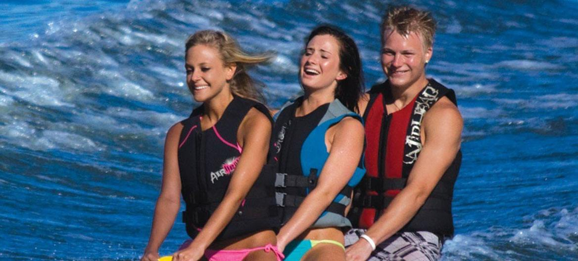 Best Women's Life Jacket Reviews - Pools and Tubs
