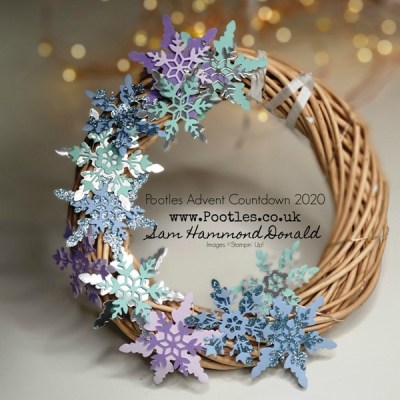 Pootles Advent Countdown 2020 So Many Snowflakes Glittery Wreath