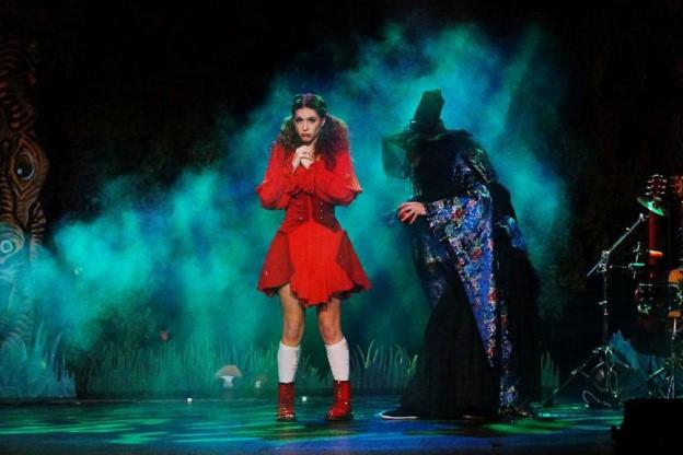 Le Petit Chaperon rouge au au Théâtre des Nouveautés