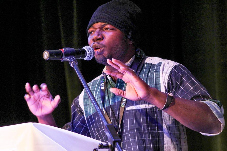 Canada: le Festival international de slam/poésie en Acadie bat dans son plein