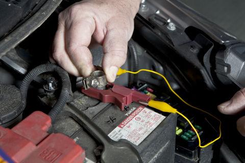 2003 Hyundai Sonata Fuse Box How To Find And Stop Car Battery Drains Diy Car Battery