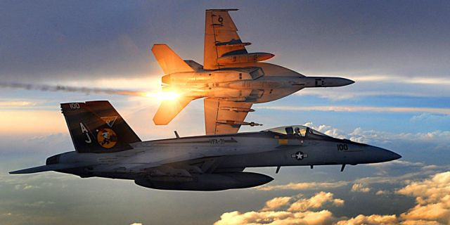Syrian Fighter Jet Syrian SU-22 shot down by US Navy F/A-18s
