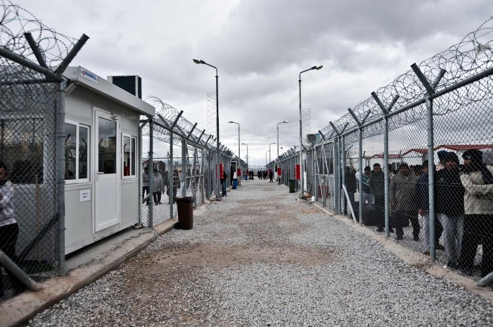 αμυγδαλέζα; ελλάδα; ευρωπη; κέντρο κράτησης; κοινωνία; μετανάστες; μεταναστευτικό; φυλακή