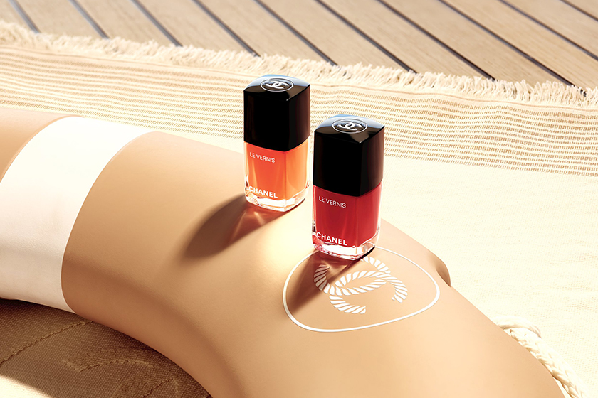 Chanel 為夏日帶來質感彩妝系列,打造陽光灑落肌膚的光澤!