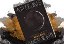 """Księżycowa intryga. """"Artemis"""" – recenzja książki"""
