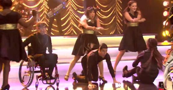 "Glee goes ""Gangnam Style"""