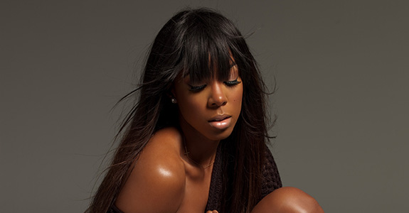 "Kelly Rowland ""Dirty Laundry"""