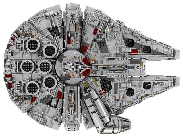 LEGO MilleniumFalcon 01
