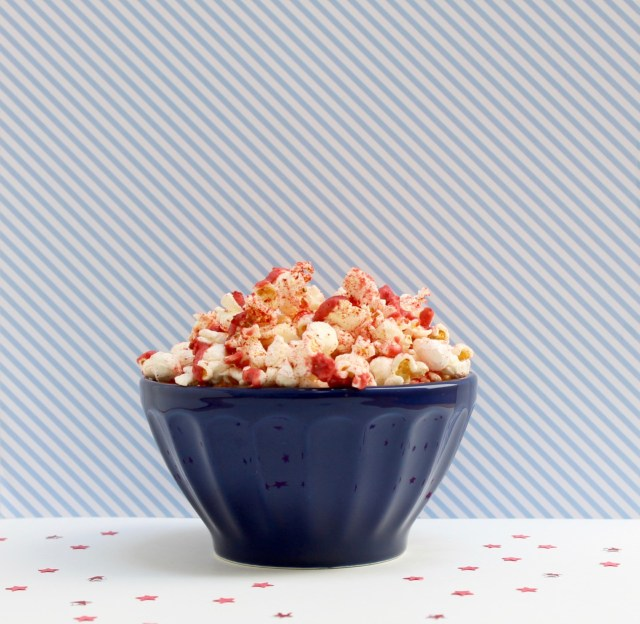 Strawberry pie fourth of July popcorn | Popcorn & chocolate