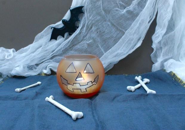 jack-o-lantern glass jar candle | Popcorn and Chocolate