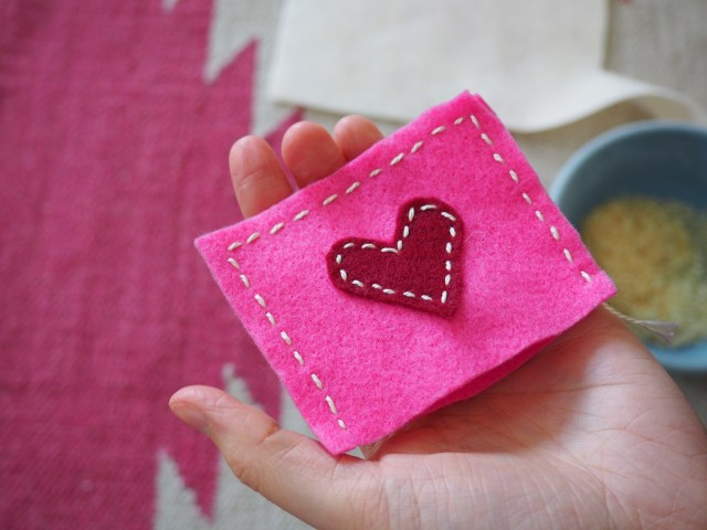 Heart hand warmers | Popcorn and Chocolate