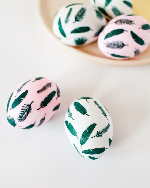 DIY-Tropical-Leaf-Easter-Eggs-OSBP-42