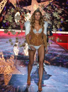 VS - 2015 - Fireworks Angels - Constance