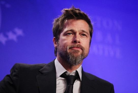 brad-pitt-full-facial-hairstyle-min