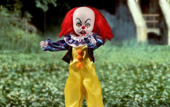 Mezco Toyz Living Dead Dolls Presents It 1990 Pennywise