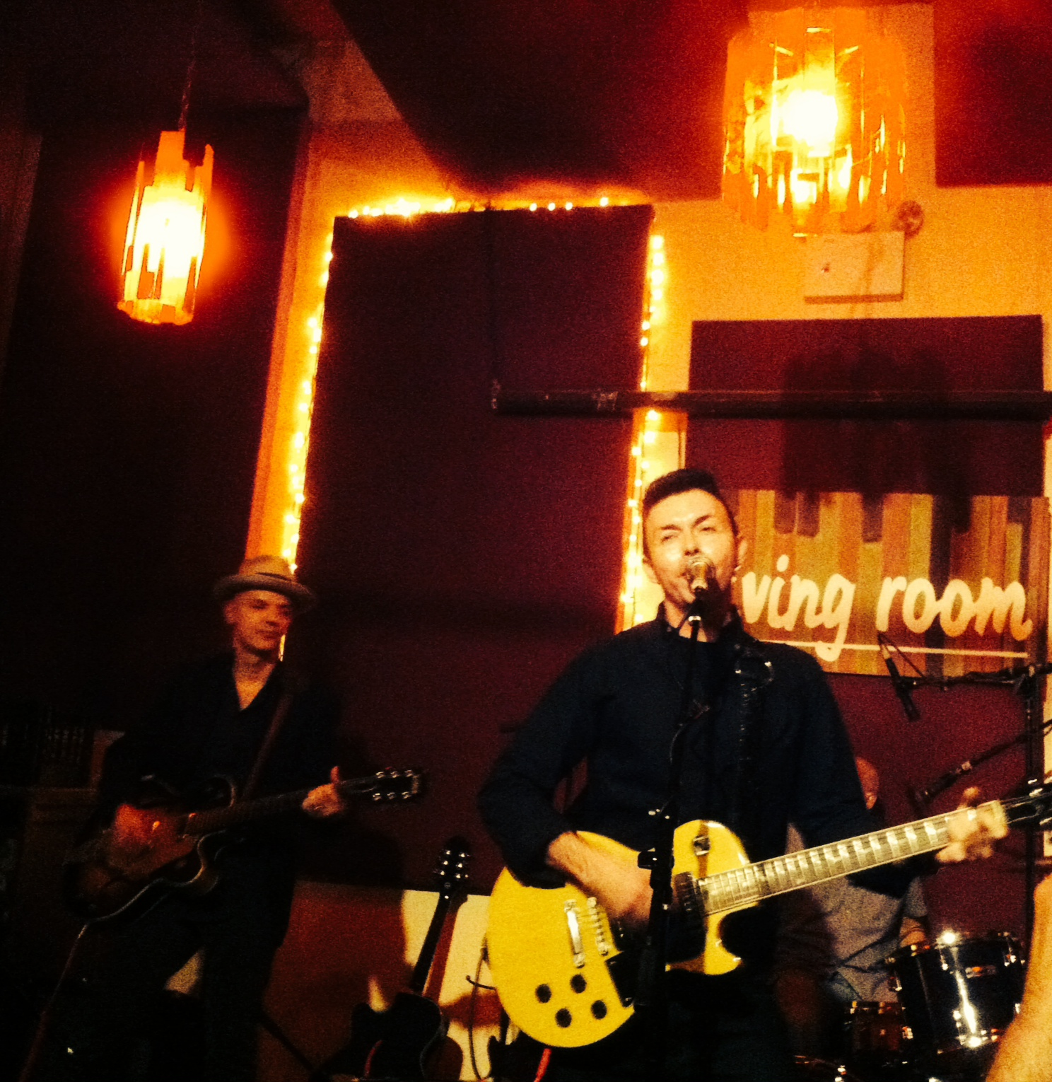 Concert Review: The Bongos, The Living Room, New York City
