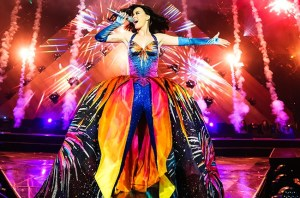 Prismatic-world-tour-katy-perry-37534617-650-430