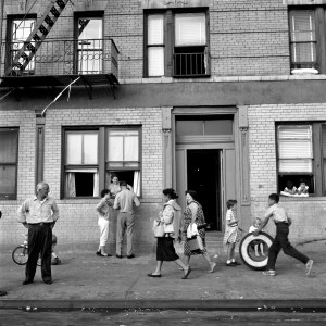 UNDATED -  Photo from  the documentary film  FINDING VIVIAN MAIER _NYC Neighborhood Street Scene_HANDOUT PHOTO Courtesy of RavinePictures LLC2013 ONLINE (72dpi): **** FOR WEB USE ONLY NOT TO BE USED FOR PRINT ****
