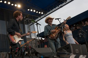 Taylor Goldsmith of Dawes (playing THE guitar), David Rawlings, Gillian Welch. Photo by Kyra Kverno.