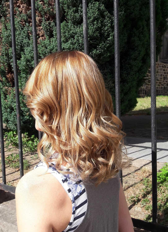 Gestufte Frisur mit zarten Strhnen  POPHAIR