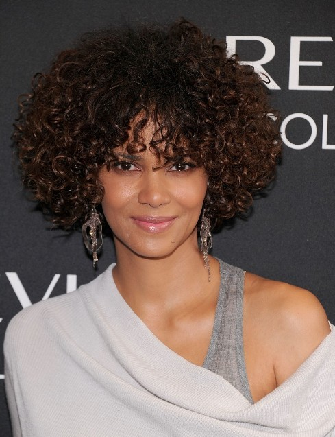 Halle Berry Short Curly Hair : halle, berry, short, curly, Halle, Berry, Curly, Hairstyles, PoPular, Haircuts