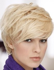 layered pixie cut short hair
