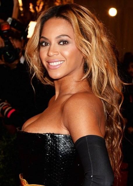 Beyonce Knowles Hairstyles 2014: Long Loose Waves