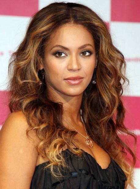 Beyonce Knowles Hairstyles: Voluminous Long Hair