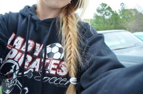 2014 Braided Hairstyles: Loose Side Braid for Girls