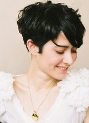 trendy short hairstyles spring