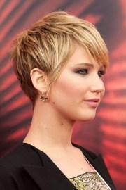 popular short haircuts thick