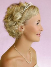 bridesmaid hairstyles short