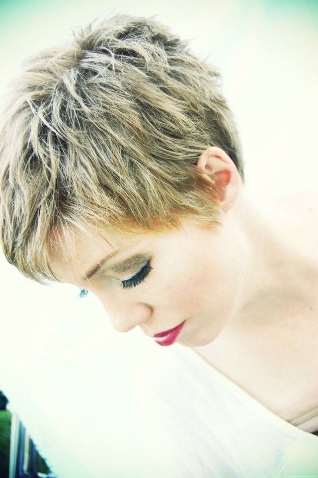 26 simple hairstyles for short hair 2019