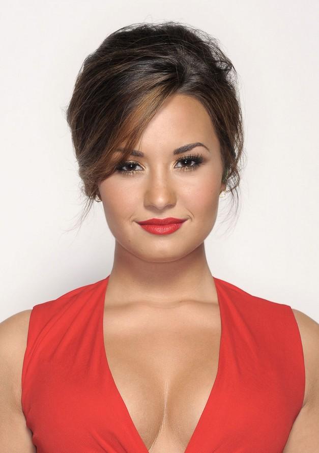 4 Demi Lovato Hairstyles Long Hair  PoPular Haircuts