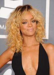 3 rihanna curly hairstyles - popular