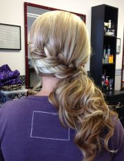 hot side-ponytail hairstyles