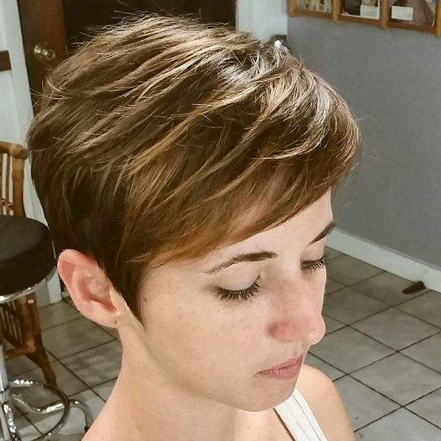 21 Lovely Pixie Haircuts Perfect For Round Faces Short