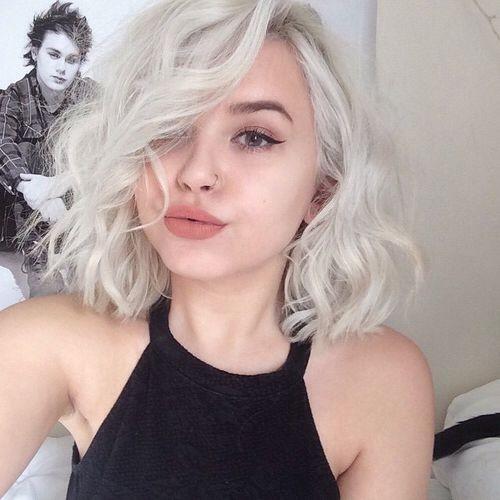 Light Blonde A-line Lob Cut - Curls Style