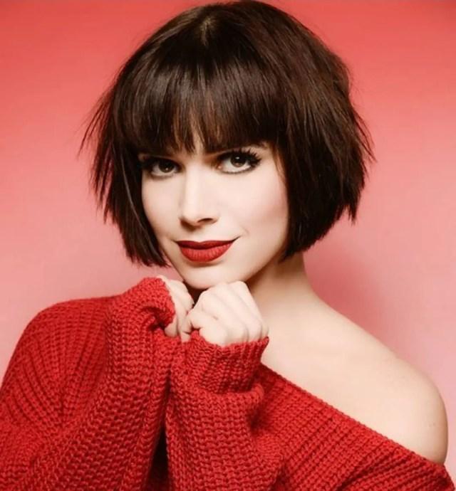10 chic short bob haircuts that balance your face shape!