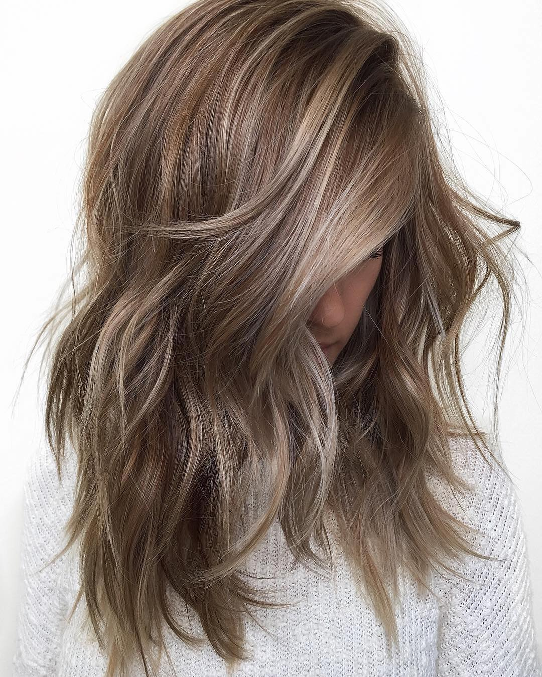 Marvelous! 10 Medium Length Hair Color Heaven – Beige – Brown – Blonde & Gray Blends