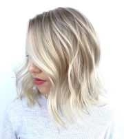 wavy haircuts medium length