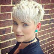 daring pixie haircuts women