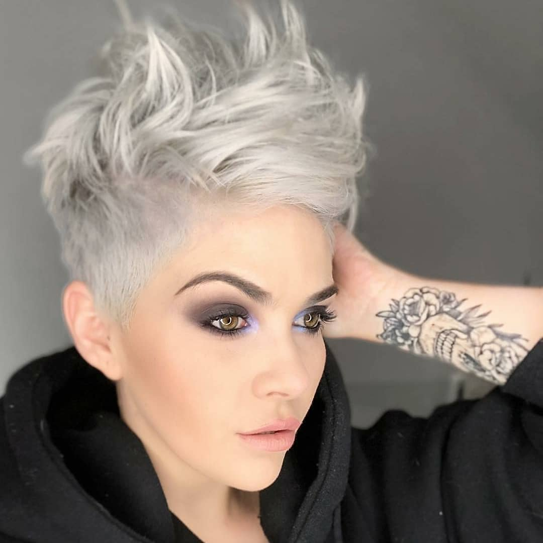 10 Beautiful Asymmetrical Short Pixie Haircuts