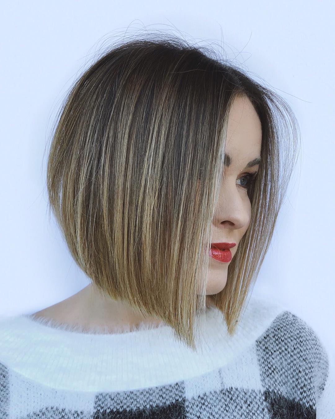 Stylish Short Hairstyles For Thick Hair Women Short