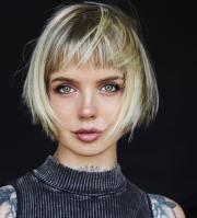 stylish short hairstyles thick