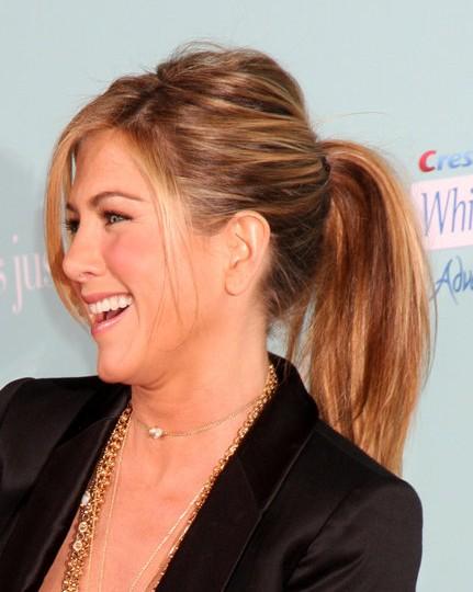 Jennifer Aniston Long Hairstyles 2012 PoPular Haircuts