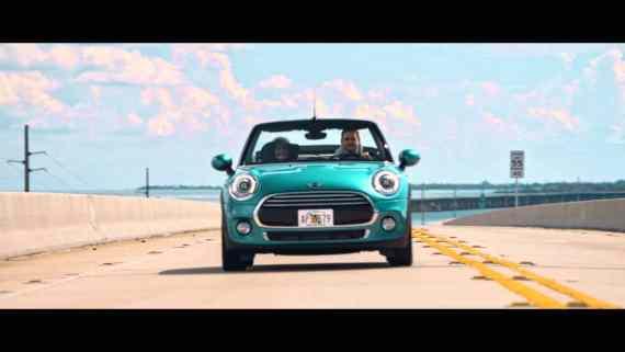 Screenshot aus MINI Cabrio Werbung