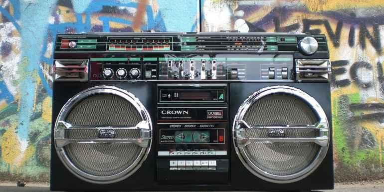 Altes Radio 90er Jahre