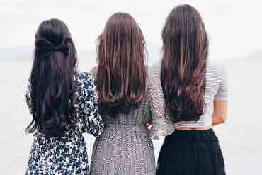 Drei Frauen von Hinten