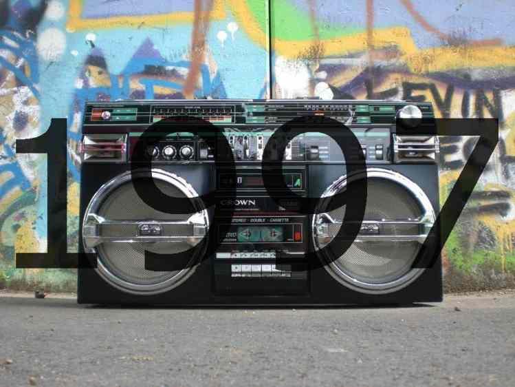 Altes Radio 1990er Jahre